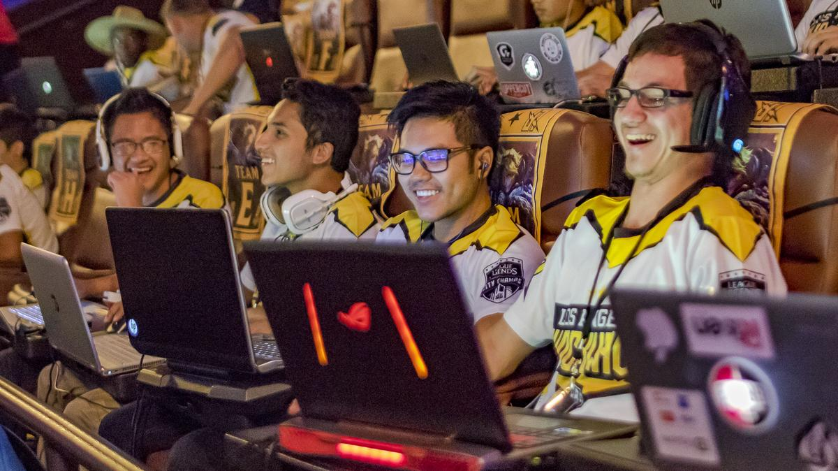 League Of Legends Pickup League Launches In Movie Theaters L A Biz