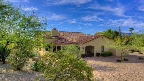 Exceptional Paradise Valley Location at an Outstanding Value