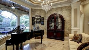 Picturesque Estate on 13 Acres in Hockley