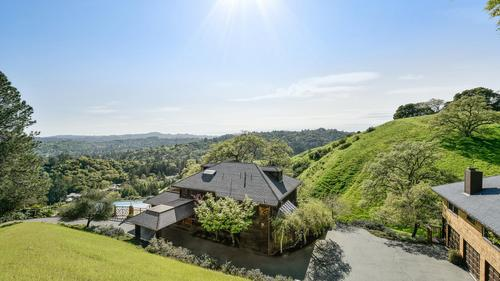 Amazing Happy Valley View Property