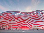 Redesigned ribbon-facade Petersen Museum wins architecture award