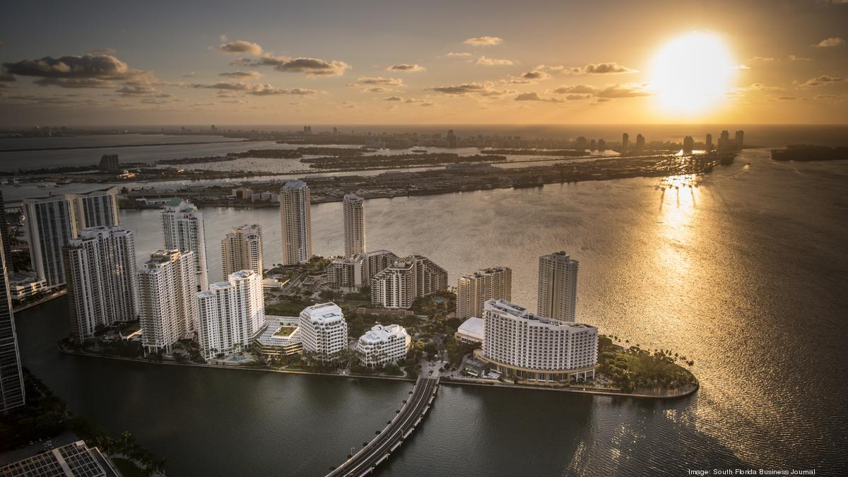 Panorama Tower Florida S Tallest Building Tops Off In