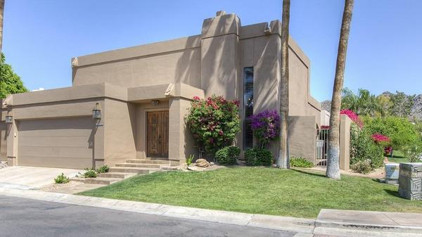 Pretty Patio Home Located in Highly Prestigious Arizona Biltmore Estates