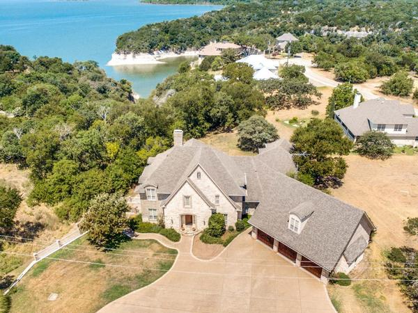 Home of the Day: 1243 Overlook Drive