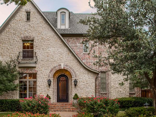 Home of the Day: 4428 Windsor Parkway