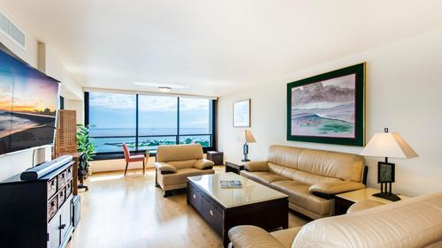 Luxury Rental at Yacht Harbor Tower