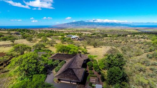 Maui Upcountry Classic Island Home on 6 Acres