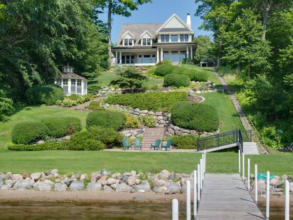 Perfect for refined entertaining, family lakeside fun, & everything in-between