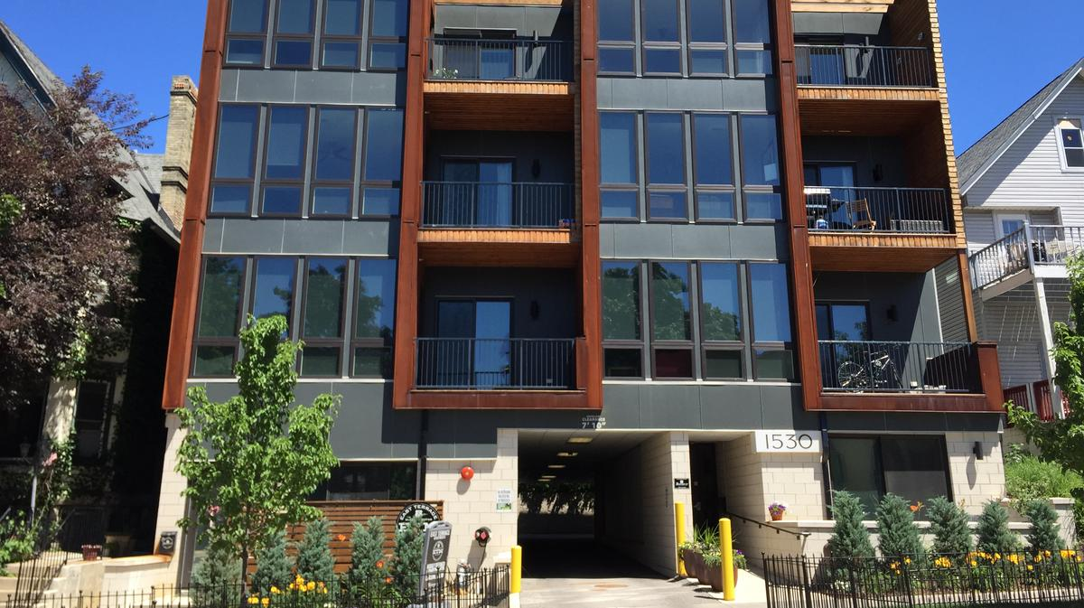 Jackson street apartments in milwaukee sell for 3 4 million milwaukee milwaukee business 1 bedroom apartments milwaukee east side