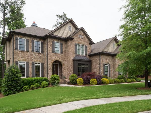 Located in the heart of Dunwoody!