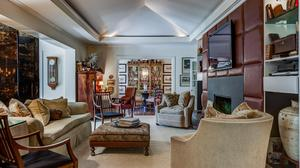 Glamorous Ladue Home