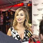 Food Network star <strong>Giada</strong> <strong>de</strong> <strong>Laurentiis</strong> says she is opening a Baltimore restaurant