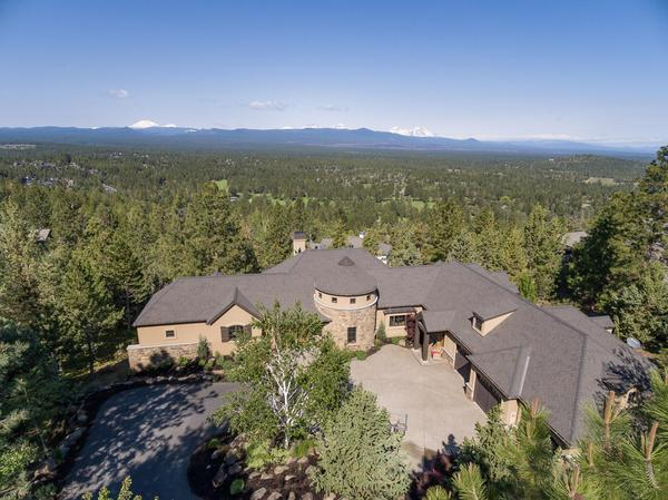 Home of the Day: Awbrey Butte Retreat