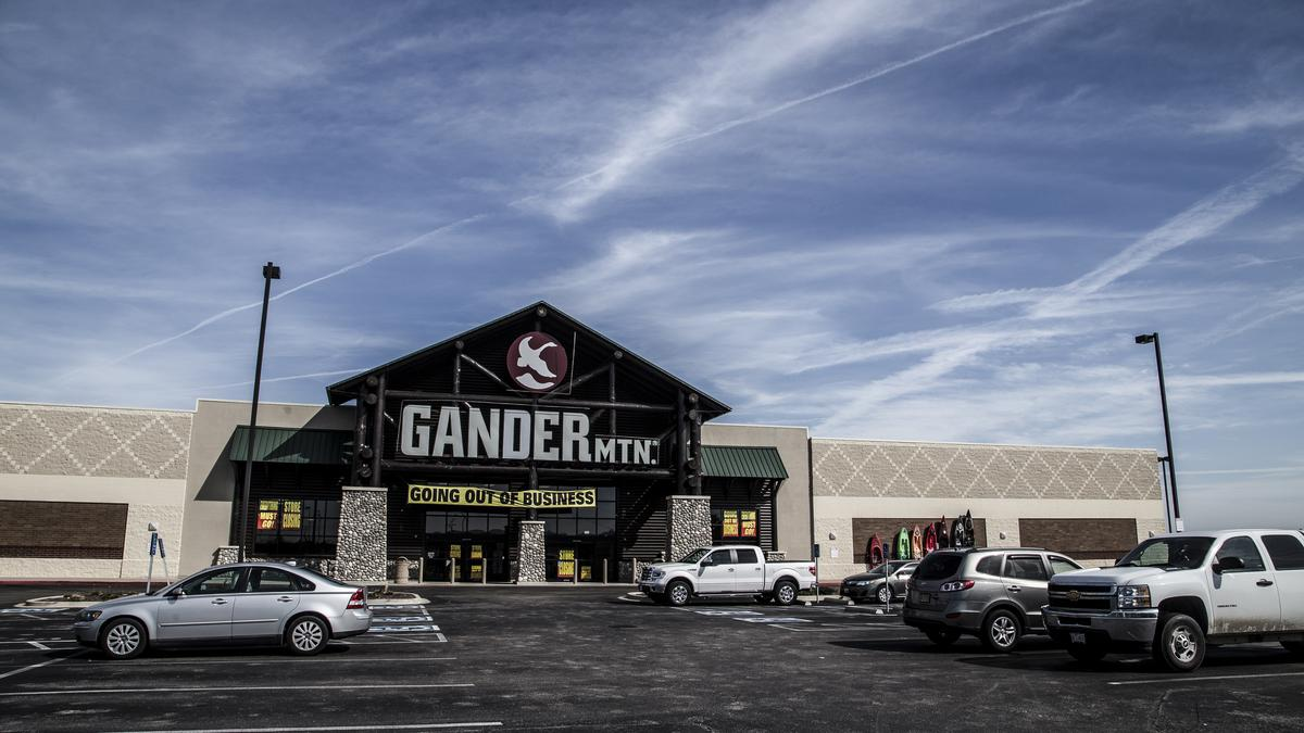 Gander Mountain Locations Could Be White Elephants