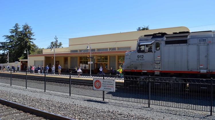 Caltrain grade crossing returns to Palo Alto City Council's