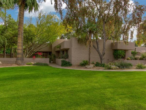 Welcome to this Contemporary Taliesin Home Located Within the Gorgeous Paradise Valley