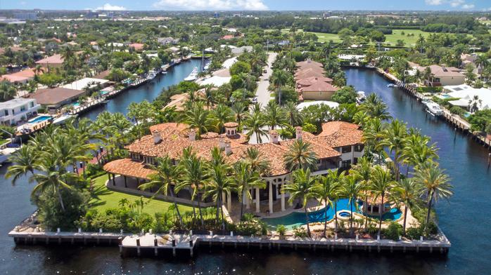 Buyer purchases two waterfront mansions for $14M and $12M on same day (Photos)