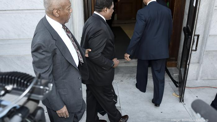 Cosby's lawyer claims racial bias in jury selection