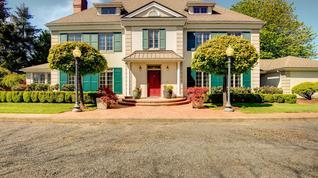 Exquisite Georgian Estate on 5 Acres