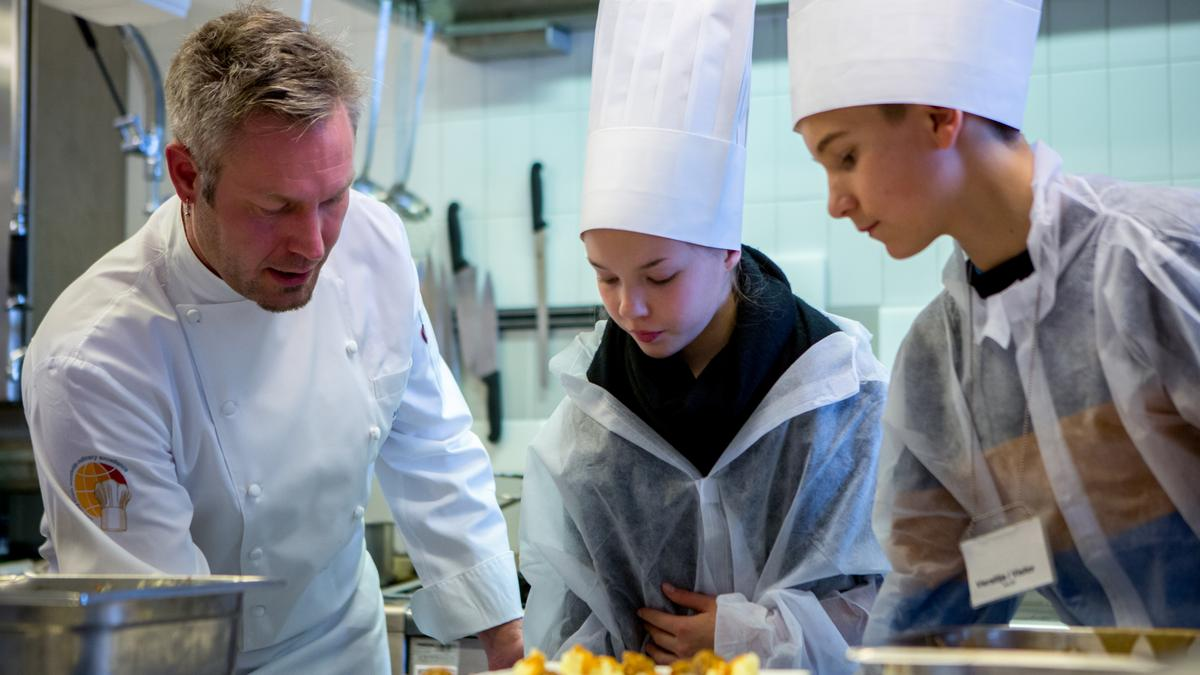 Why Finnair has turned the kids loose in its catering kitchens ...