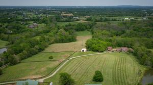 Enchanting Farm located in the Heart of Shelby County