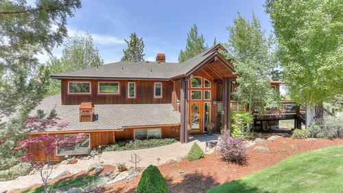 Beautiful NW-Style Home with Cascade Mt. Views