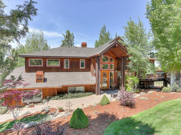 Home of the Day: Beautiful NW-Style Home with Cascade Mt. Views