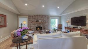 Remodeled Darling Arcadia Cottage