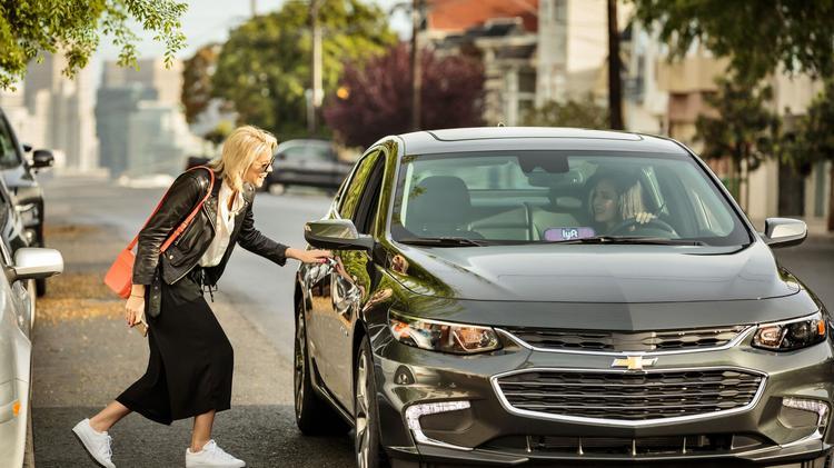 Lyft Car Rental >> Lyft Will Offer Drivers Discounted Car Rentals In Bid To