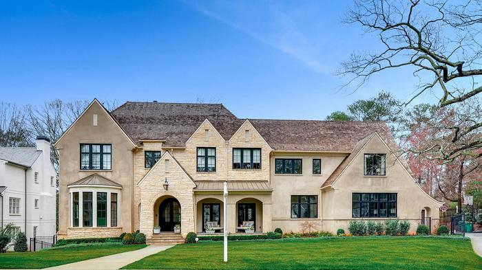 Detroit Lions QB Matthew Stafford buys Atlanta mansion for $3.85 million (SLIDESHOW)