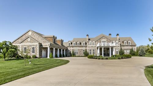 Breathtaking Estate on 47 Acres!