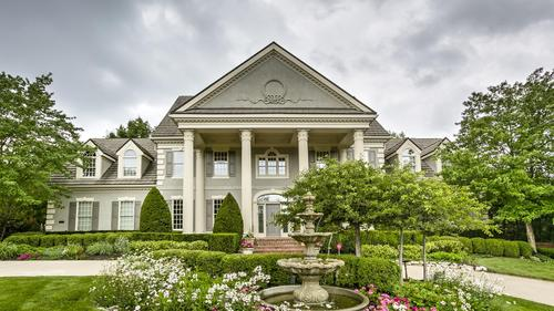 Extraordinary Hallbrook Estate