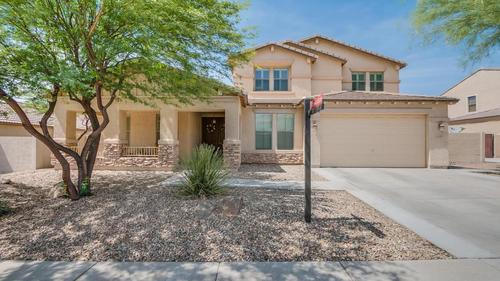 Highly Desired Golf Course Community in the Heart of Queen Creek!