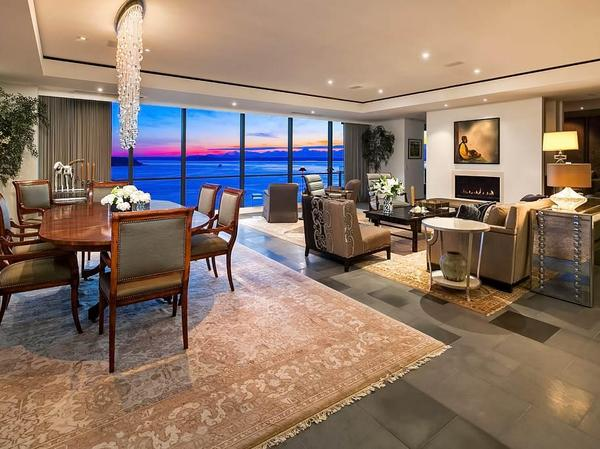Home of the Day: Four Seasons Private Residences #1202