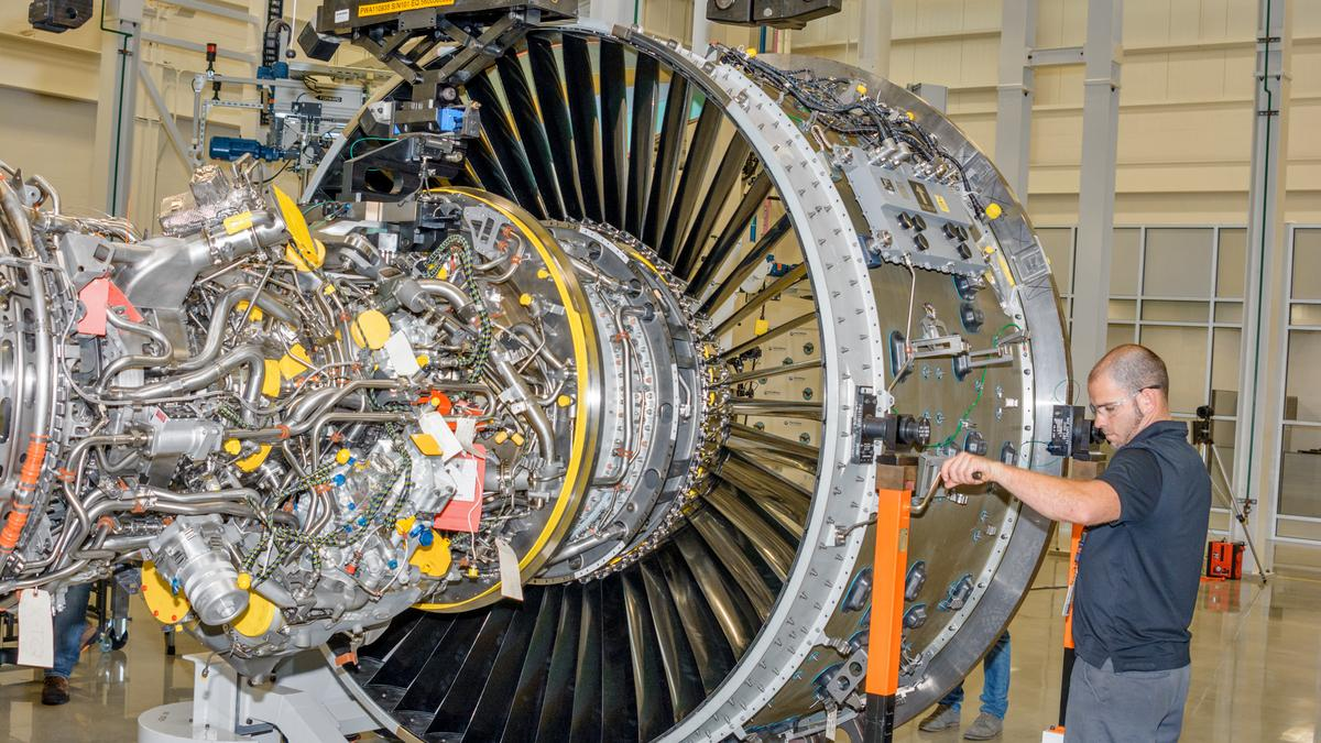United Technologies Corp  division Pratt & Whitney to expand