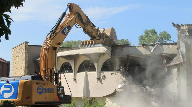 Demolition Of Science : Demolition of newman s heimerman science center underway
