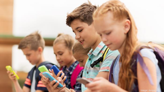 Should Colorado ban the sale of smartphones for use by children under age 13?