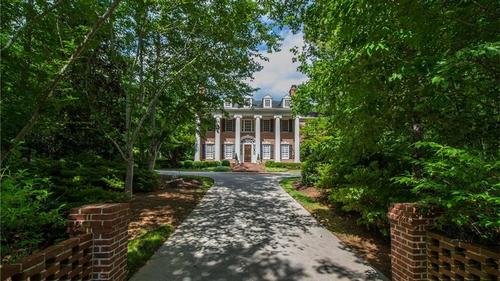 Beautiful Roswell Residence on 2.6 acres!