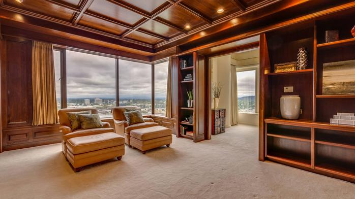 Inside a $3.3M KOIN Center penthouse (Photos)