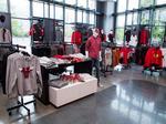 Chicago Bulls and Blackhawks team for merchandise store venture