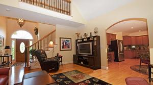 Ultimate Golf Course Living in Beautiful Meadowlands!