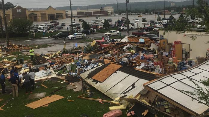 Weather system damages businesses west of Birmingham