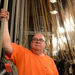 ​Bye-bye, hemp and sand: National Theatre prepares to cut ties with ancient rigging system (Video)
