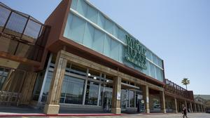 Whole Foods shares remain hot even as potential rival bidders bow out