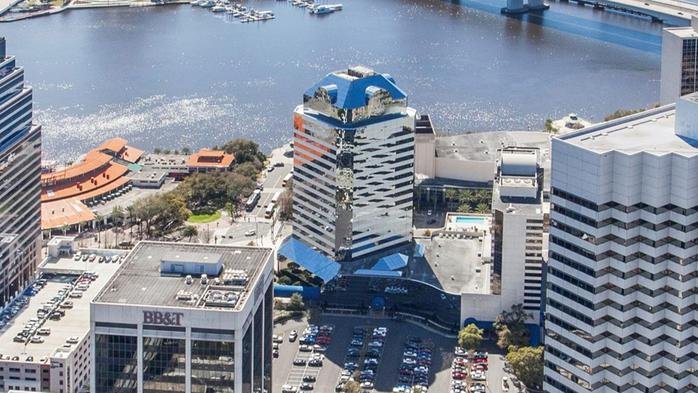One Enterprise Center sells for $15.2M to Los Angeles-based company