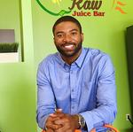 Former NFL player opening Owings Mills juice <strong>bar</strong> with family