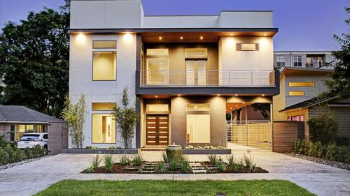 Clean Lines Meet Functionality in This Exquisite Contemporary Show Home