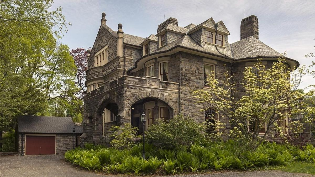 Classic home of the week a 19th century mansion with for The classic home company