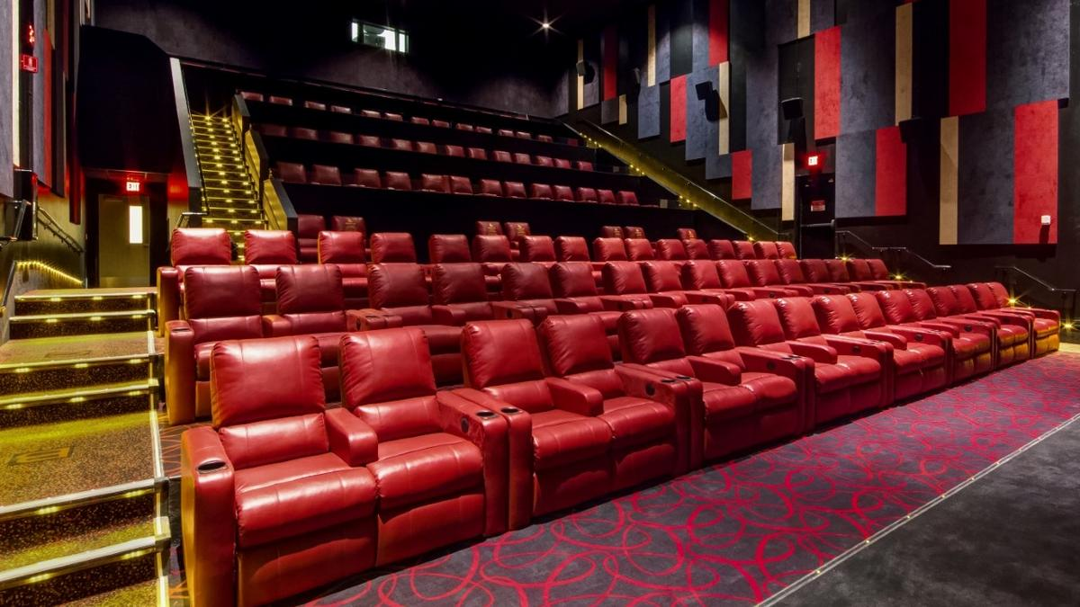 View AMC movie times, explore movies now in movie theatres, and buy movie tickets online. Showtimes. Filter by. AMC Newport On The Levee Today All Movies. Premium Offerings. Ralph Breaks The Internet. Pre-show and trailers run for approximately 20 minutes.