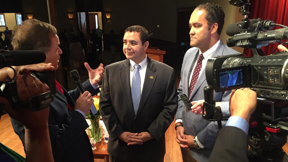 Congressmen Lead Efforts To Bring New Nafta Signing Ceremony To San